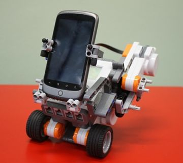 Mindstorms NXT With Android device (photo source robotshop.com)