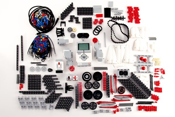 8 Major Differences Between Mindstorms EV3 Education and Home ...